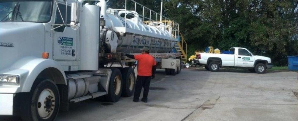 Tanker at IL